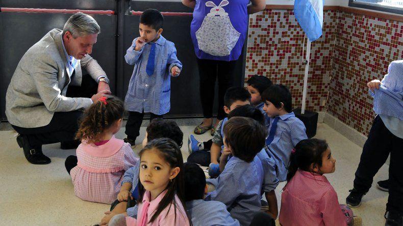 Arcioni entregó equipamiento a la Escuela  de Nivel Inicial N° 4402 de Rada Tilly