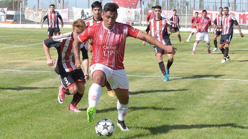 Huracán y Florentino Ameghino empataron 1-1 en la primera rueda.