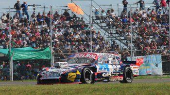 El Ford del comodorense Marcelo Agrelo que se ubicó ayer sexto en la primera serie del TC Pista.