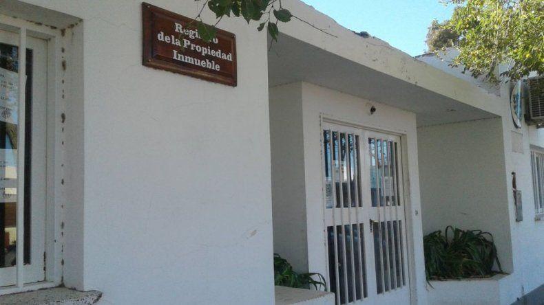 En Rawson y en Comodoro hubo allanamientos por propiedades de Lázaro Báez