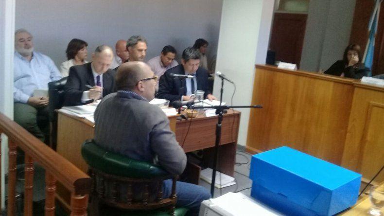 Un exministro en el banquillo. Rubén Zárate debe responder por algunas irregularidades de cuando estuvo al frente del Ministerio de Educación en el gobierno de Martín Buzzi.