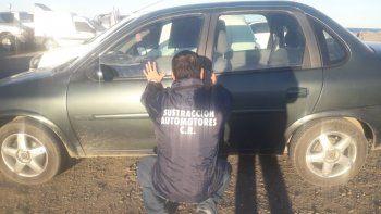 En Comodoro y Sarmiento recuperaron dos autos con pedido de secuestro