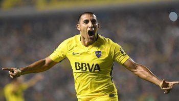 Ramón Abila seguirá como nueve de área en la delantera de Boca.