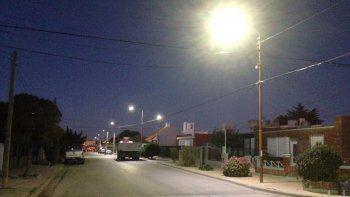 En el barrio Roca instalaron 392 luminarias LED en reemplazo de antiguos artefactos de alumbrado público.