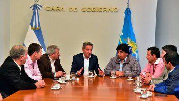 El encuentro que el gobernador mantuvo ayer con los jefes comunales en la Casa de Gobierno.