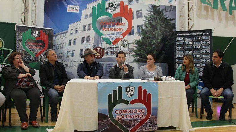 Funcionarios y dirigentes deportivos presentaron la cruzada solidaria Pintemos juntos el Hospital.