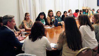 el gobernador recibio a organizadoras del encuentro nacional de mujeres