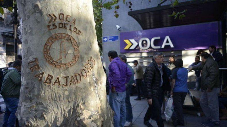 Camioneros suspendió el paro y la movilización por el conflicto de OCA