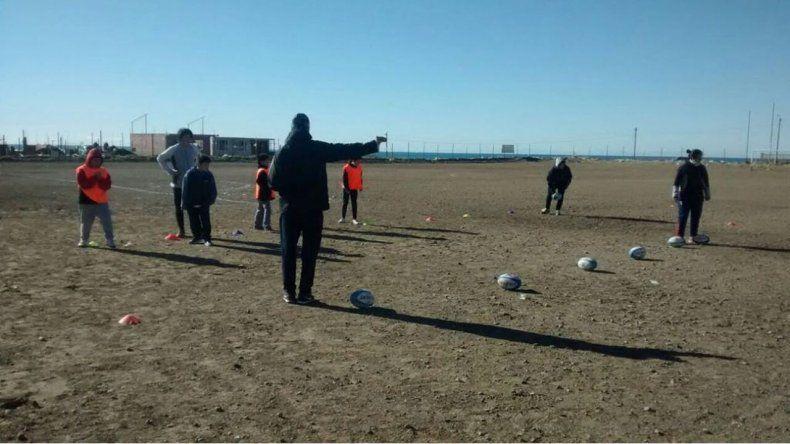 Los chicos de zona sur tuvieron su primera práctica de Probá Rugby