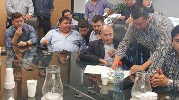 La firma del acuerdo paritario, el miércoles en Buenos Aires.