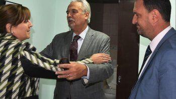 Tanto la jueza federal Marta Yáñez como el abogado Luis Tagliapietra se despidieron del capitán de navío Jorge Bergallo con un fuerte abrazo.