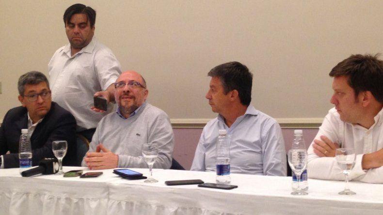El diputado nacional Gustavo Menna brindó una conferencia de prensa en la que fue inevitable conocer qué piensa sobre el tarifazo que impulsa su Gobierno.
