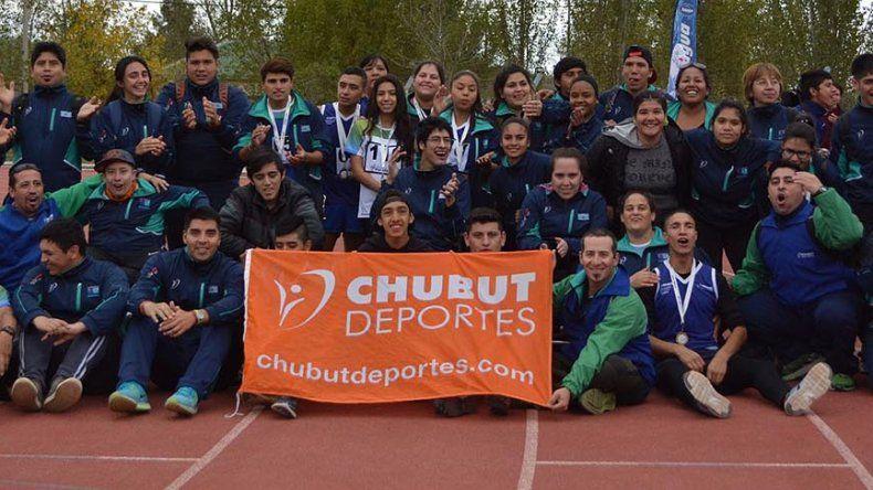 Los deportistas chubutenses que tomaron parte de la primera edición de los Juegos ParaEpade que se celebraron en Santa Rosa