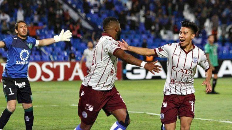 Godoy Cruz venció a San Martín de San Juan y acecha a Boca