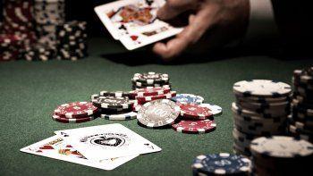 La policía desbarató un garito en Dolavon y sorprendió entre los apostadores a un concejal