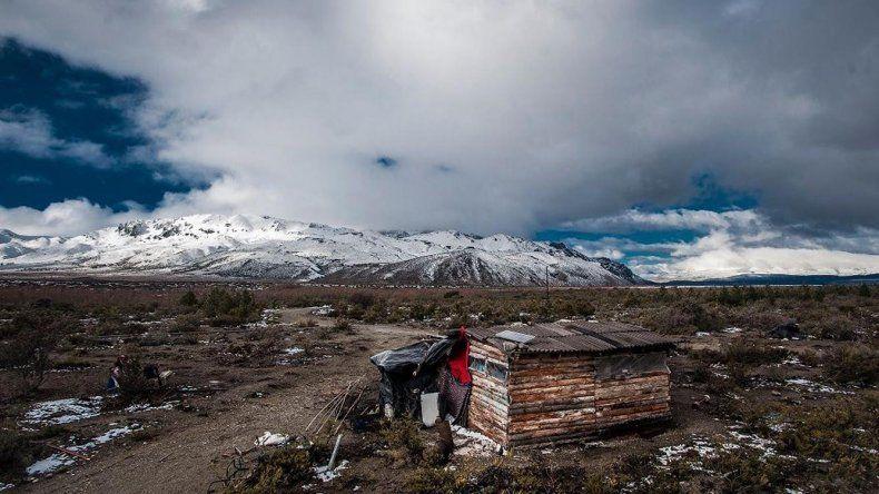 En Cushamen la comunidad  mapuche denuncia el incendio de una casilla que iba a ser peritada