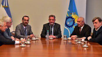 Arcioni firmó el acuerdo para la finalización de Tribunales