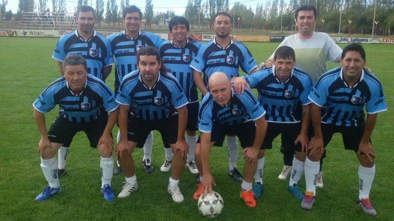 Luz y Fuerza marcha como escolta en la zona 2 de la división A del fútbol Senior de Comodoro Rivadavia.