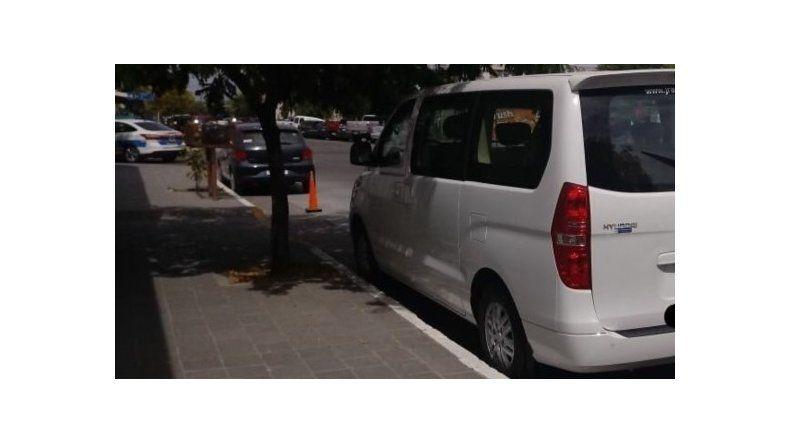 El vehículo Hyundai H1 que vincula a Correa con Parra. Fuente: www.diariojornada.com.ar