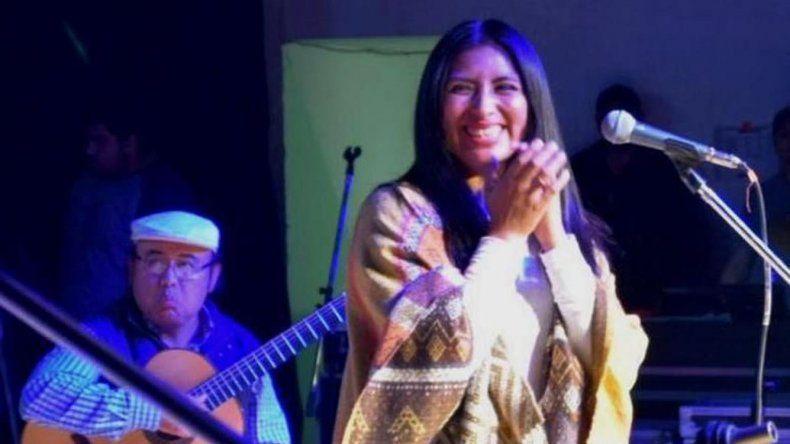 La cantante salteña Jacinta Condori fue la figura más ovacionada en el Festival del Trabajador Patagónico.