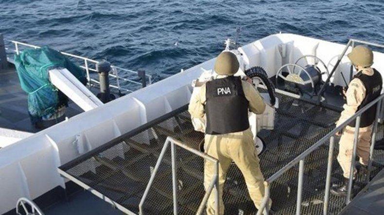 Prefectura efectuó disparos intimidatorios contra el buque