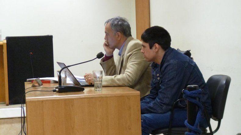 José Barrales junto a su abogado defensor Guillermo Iglesias.