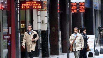 El dólar volvió a subir pese a que en las primeras horas de ayer había registrado una baja respecto al viernes.