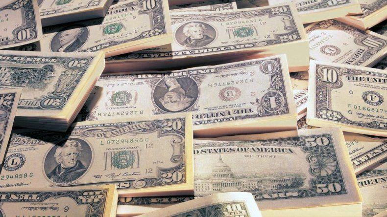 El dólar volvió a superar los $23