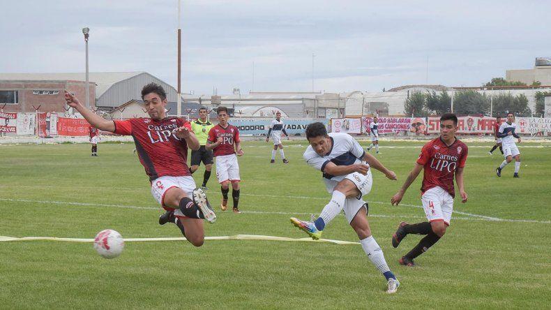 Jorge Newbery y Huracán comienzan a palpitar un nuevo clásico del fútbol de Comodoro Rivadavia.