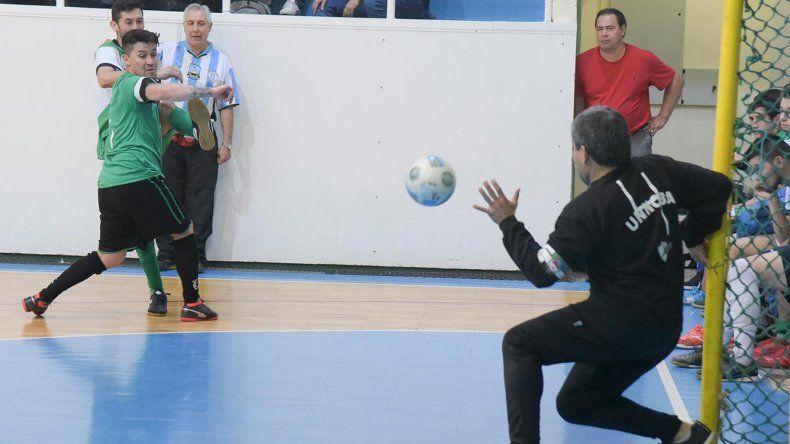 La selección de Comodoro Rivadavia se midió el último fin de semana con Universitario de Caleta Olivia