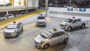 Durante el acto Akar Automotores entregó en forma simbólica 122 vehículos adjudicados a sus clientes.