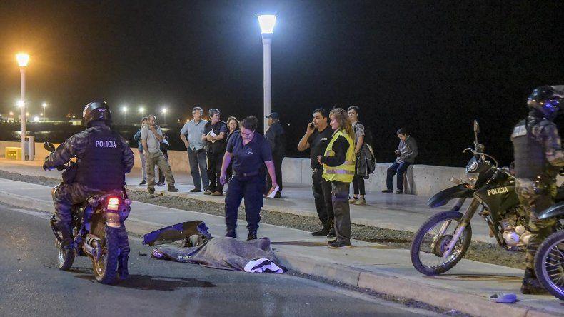 Jorge Gaitán falleció al ser atropellado cuando cruzaba la calzada hacia el paseo costero.