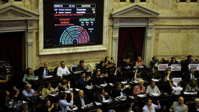 El miércoles por la noche la Cámara de Diputados de la Nación le dio media sanción al proyecto que busca atenuar el impacto de los tarifazos.