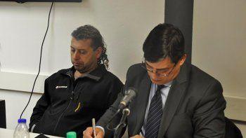 Gabriel López junto a su abogado defensor.