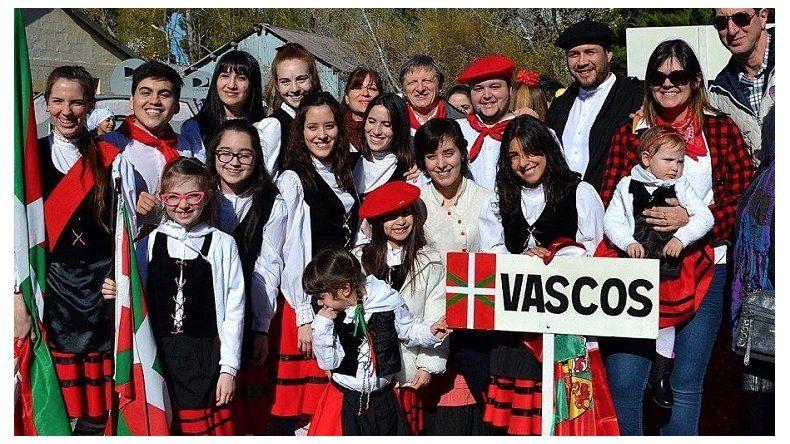 Los vascos celebran los 95 años de la Euskal Echea en Comodoro