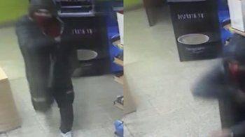 Con arma en mano se llevó 2 mil pesos y un fernet de un kiosco