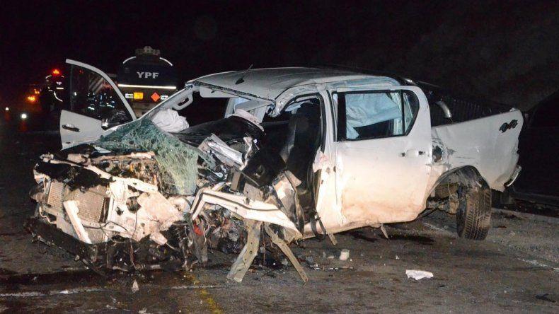 El conductor de la Toyota que chocó contra un camión y luego contra una VW Amarok