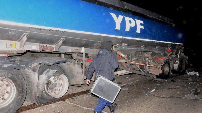 El camión con cisterna de combustible