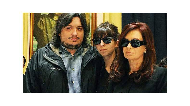 El juez Ercolini procesó a la expresidente y a sus hijos Máximo y Florencia.