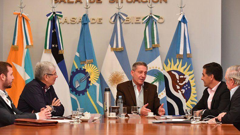 El encuentro que el gobernador Arcioni mantuvo con ministros de las provincias patagónicas.