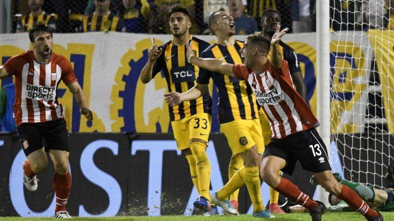 Estudiantes de La Plata le empató sobre la hora a Rosario Central en el Gigante