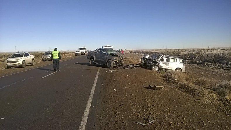 A raíz del impacto frontal murió uno de los conductores.