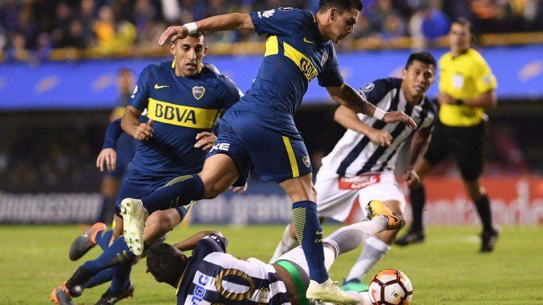 Boca se clasificó a octavos de final por una goleada y la derrota de junior