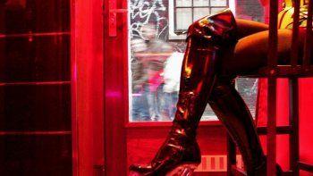 El hombre financiaba y la mujer organizaba la prostitución