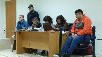Mauricio Fleitas y Diego Aguirre junto a sus abogados defensores.