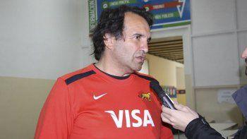 David Rufino ayer durante su visita a Comodoro Rivadavia donde realizó una clínica de rugby femenino.