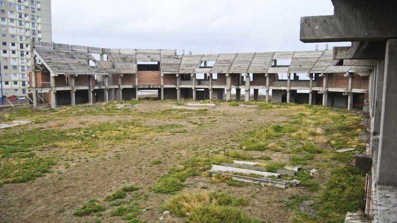 Sobre la inconclusa obra del Estadio del Centenario también sobrevuelan sospechas de corrupción.