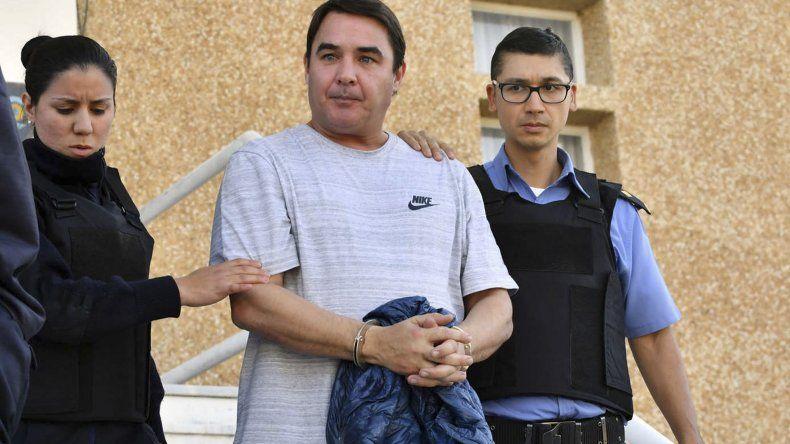 Gonzalo Carpintero es conducido a prisión. También está sospechado de ser parte de la red de sobresueldos con dinero del erario público.