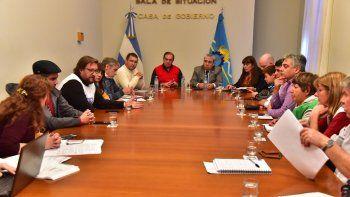 tras la reunion con gremios, el gobierno pide racionalidad y flexibilidad