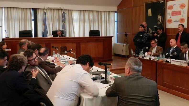 Piñeda rechazó la recusación y dos jueces deberán resolver